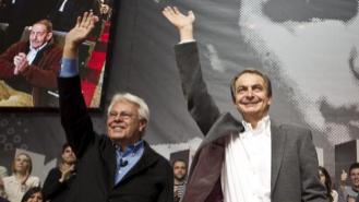 Los ex presidentes Felipe González y José Luis Rodríguez Zapatero,...