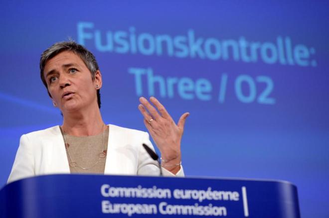 La comisaria europea de Competencia, Margrethe Vestager, durante la...