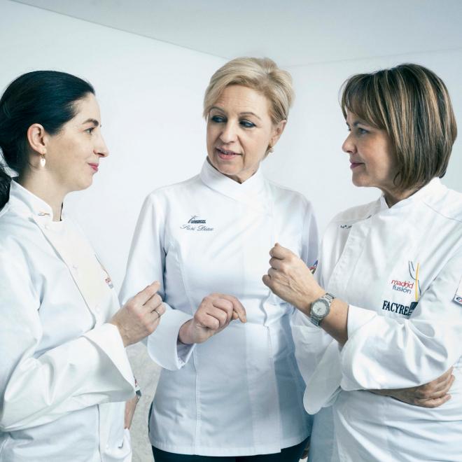 De izq. a dcha: Elena Arzac, Susi Díaz y María José San Román.