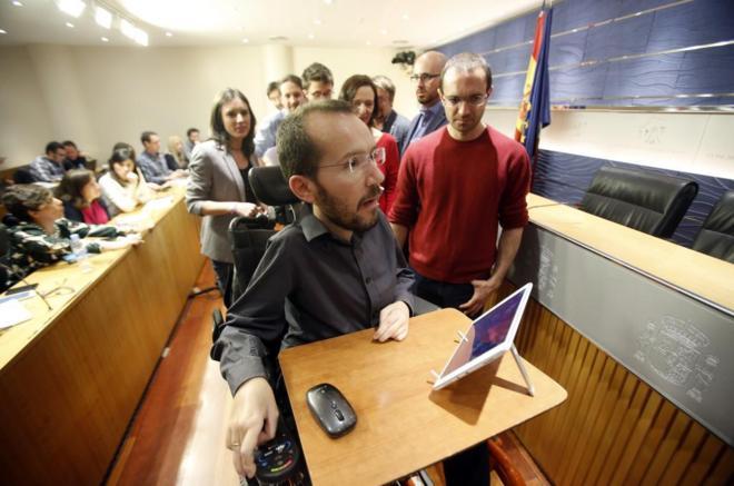 El secretario de Organización de Podemos, Pablo Echenique, en rueda...
