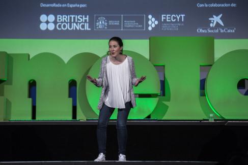 Alba Aguión, la ganadora de Famelab España 2016, durante la...