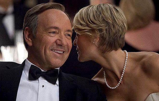 Los protagonistas de 'House of Cards', Kevin Spacey (i) y Robin Wright