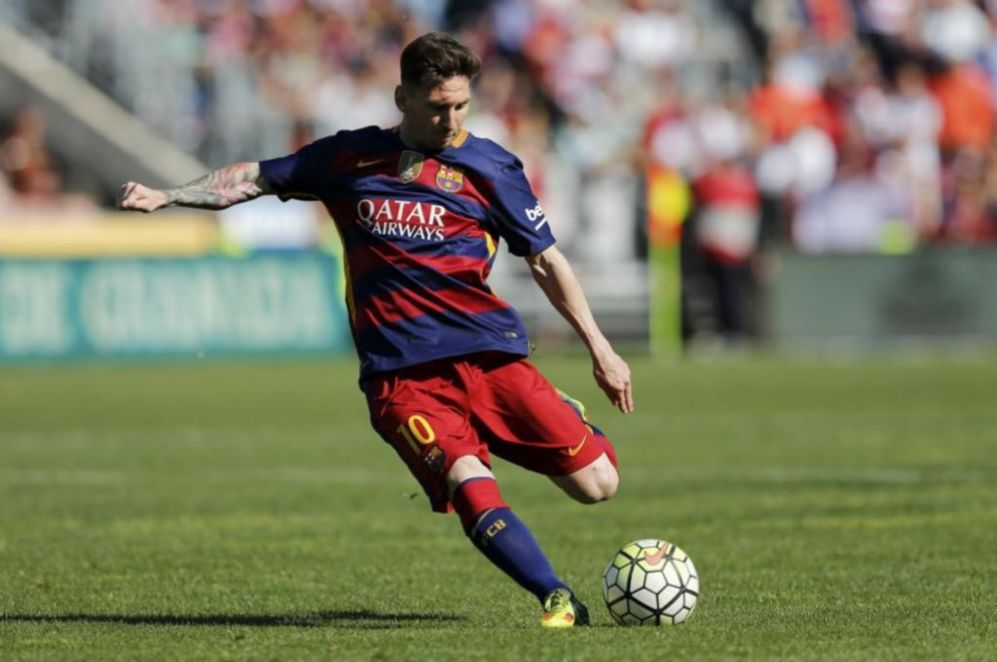 <strong>01 - Leo Messi (FC Barcelona):</strong> La camiseta numero 10...