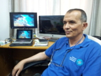 El astrofísico palestino Suleiman Baraka, en su oficina de la Franja...