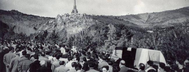 Entierro de Jose Antonio Primo de Rivera en el Valle de los Caídos