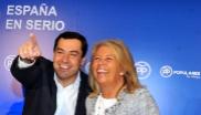 Ángeles Muñoz Uriol con Juanma Moreno Bonilla, Elias Bendodo y José...