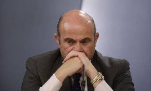 El ministro de Economía, Luis de Guindos en una rueda de prensa