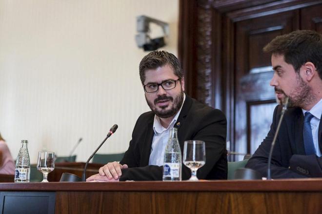 Fran Hervías (izqda.), secretario de Organización de Podemos.