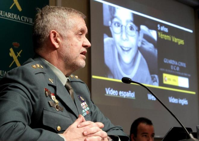 El teniente coronel Manuel Llamas, responsable del departamento de...