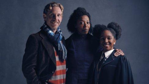 Ron (P. Thornley), Hermione (N. Dumezweni) y Rose Granger-Weasley (C....