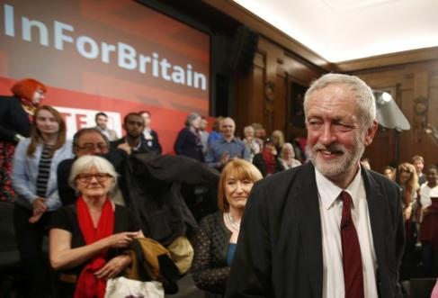 El líder laborista, Jeremy Corbyn, después de un mitin por la...