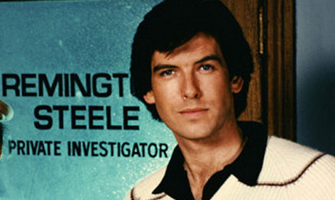 Pierce Brosnan, como Remington Steele.