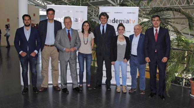 Irene Montero, junto a Jorge Moragas y otros asesores de Ciudadanos y...