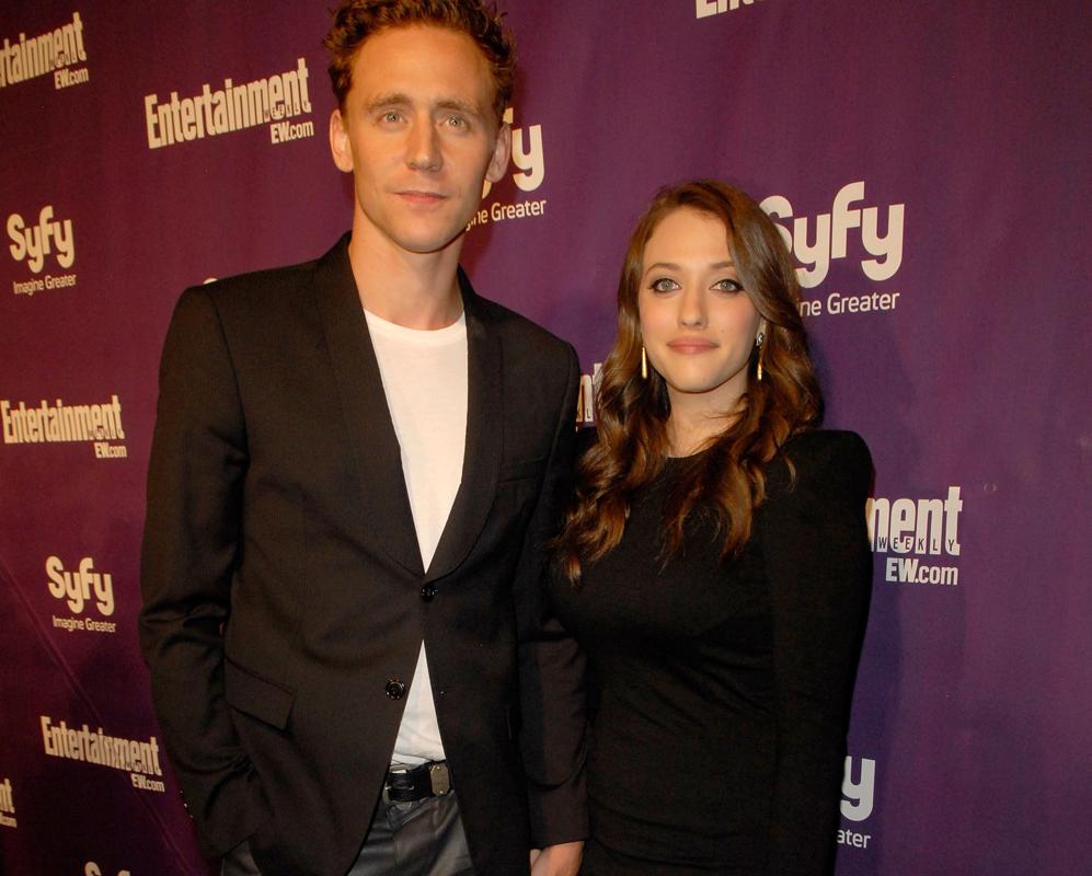 En 2010, Tom Hiddleston  sorprendió al acudir junto a Kat Dennings en...