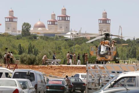Un soldado jordano es evacuado en helicóptero.