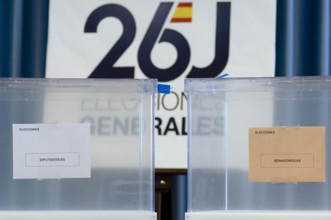 Detalle de las urnas que se usarán en las elecciones del próximo...