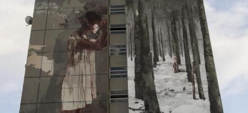 Vista de un mural de 42 metros de alto del artista español Borondo en...