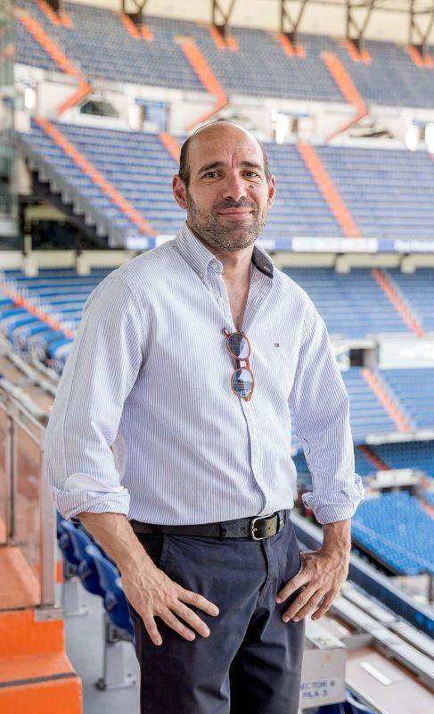 12. JUAN ANTONIO ALCALÁ. Periodista deportivo. Tras pasar por...