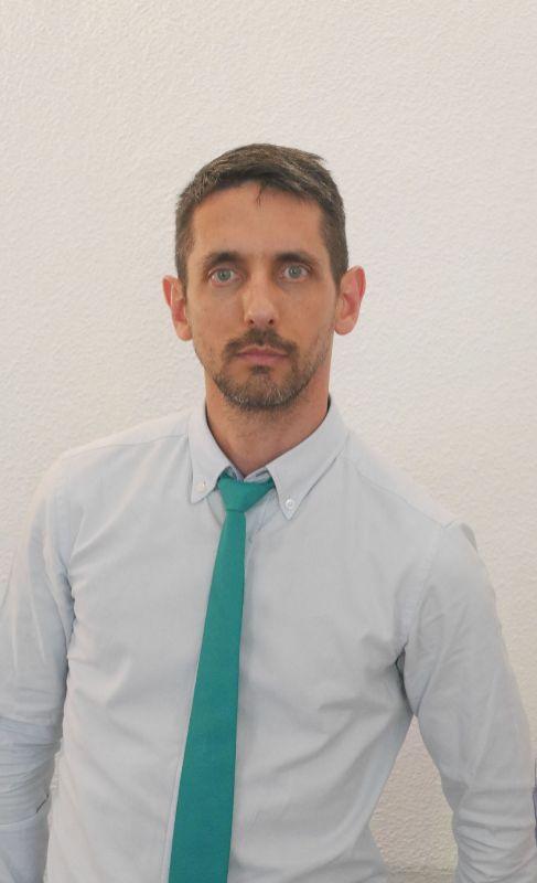 13. EDUARDO LÓPEZ COLLAZO. Director científico del IdiPAZ. Dirige a...