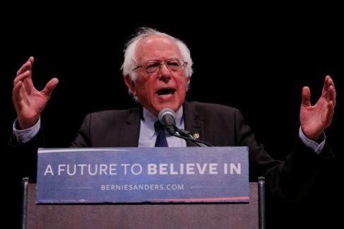 Bernie Sanders durante un mitin en Manhattan.