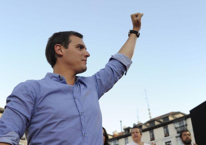 Albert Rivera durante el acto de campaña de Ciudadanos en la plaza de...