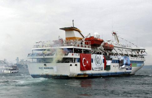 El 'Mavi Marmara', con ayuda para Gaza, zarpando de Turquía...
