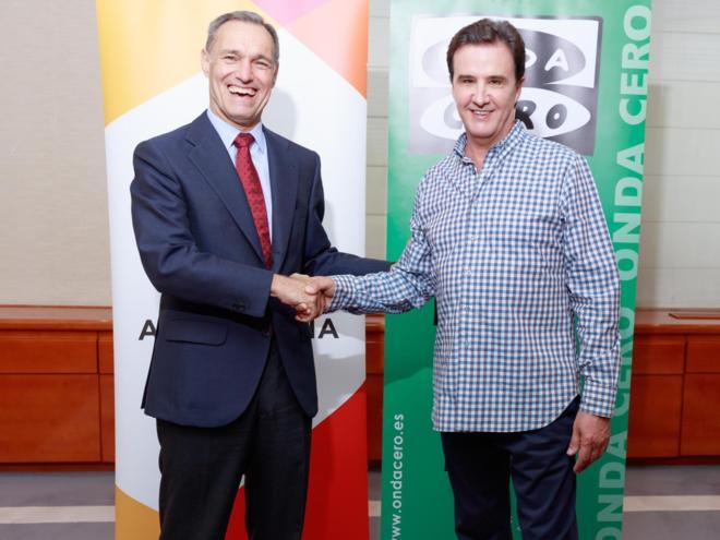 Silvio González, consejero delegado de Atresmedia, y José Ramón de...