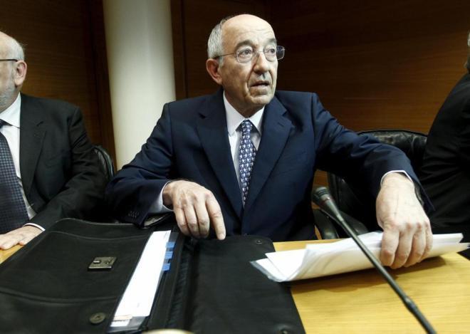 Comparecencia del exgobernador del Banco de España , en la comisión...