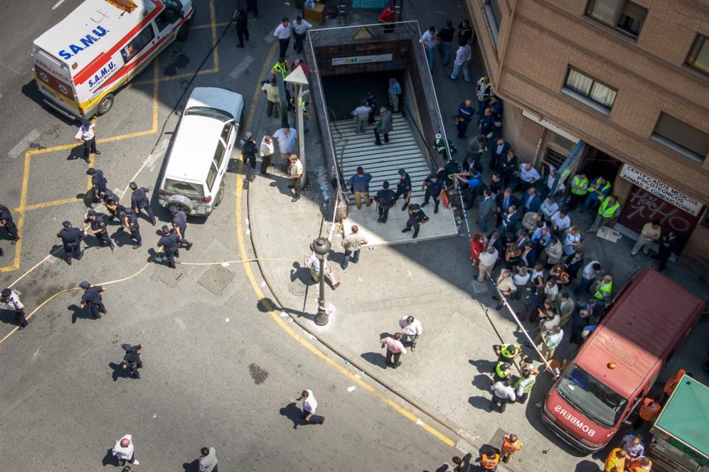 Vista aérea de la estación de metro de Jesús minutos después del...