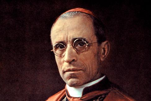 Eugenio Pacelli, poco antes de ser elegido Papa.