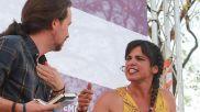 Pablo Iglesias y Teresa Rodríguez, en un acto de campaña en Jerez,...