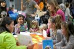 Niños en un taller dedicado a la nutrición infantil en el Salón e...
