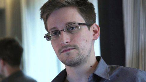 El ex analista de la CIA, Edward Snowden, durante una entrevista para...