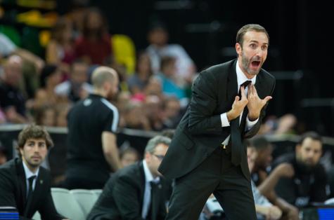 El ya ex entrenador del Bilbao Basket, Sito Alonso, durante un...
