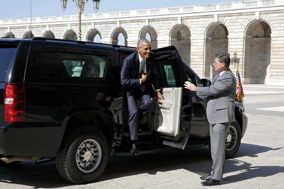 Obama llega sonriente al Palacio Real.
