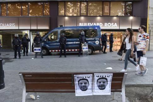 Escrache organizado por los okupas contra el propietario del Banc...