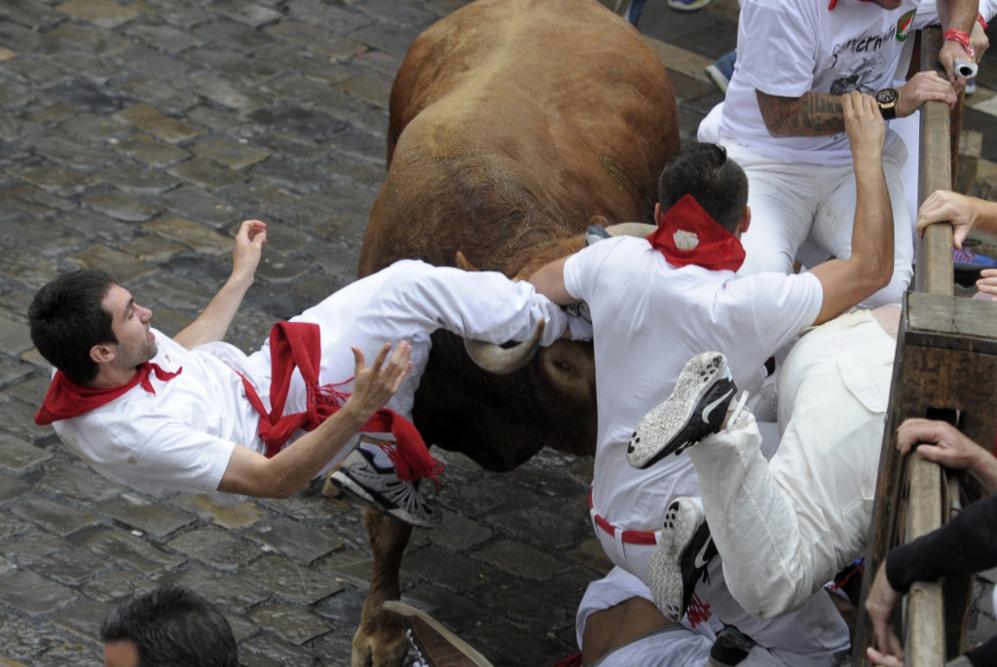 Los toros de Núñez de Cuvillo han protagonizado un encierro veloz y...