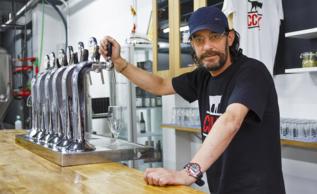 Daniel de Julián en la Compañía Cervecera de Valle del Kahs.