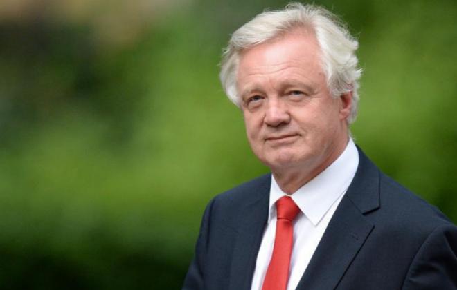 El ministro británico David Davis, encargado de liderar la...