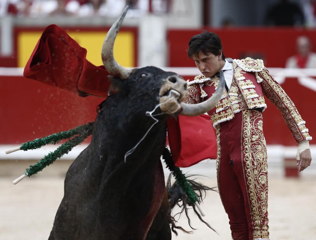 """Entre el ruido y el apocalipsis, la renovación del abono de la Feria  de San Fermín """"va como un tiro"""""""