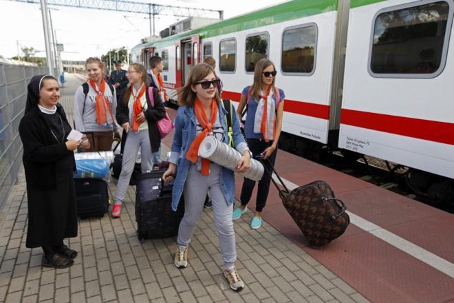Peregrinos a su llegada a Kuznica gracias al tren 'Jericho'.