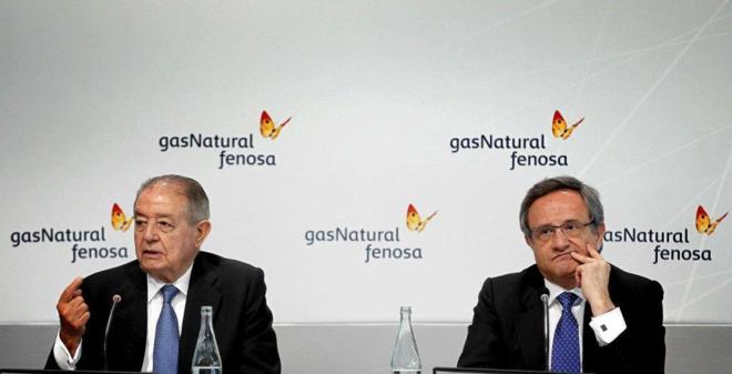 El presidente de Gas Natural Fenosa, Salvador Gabarró (i), y el...