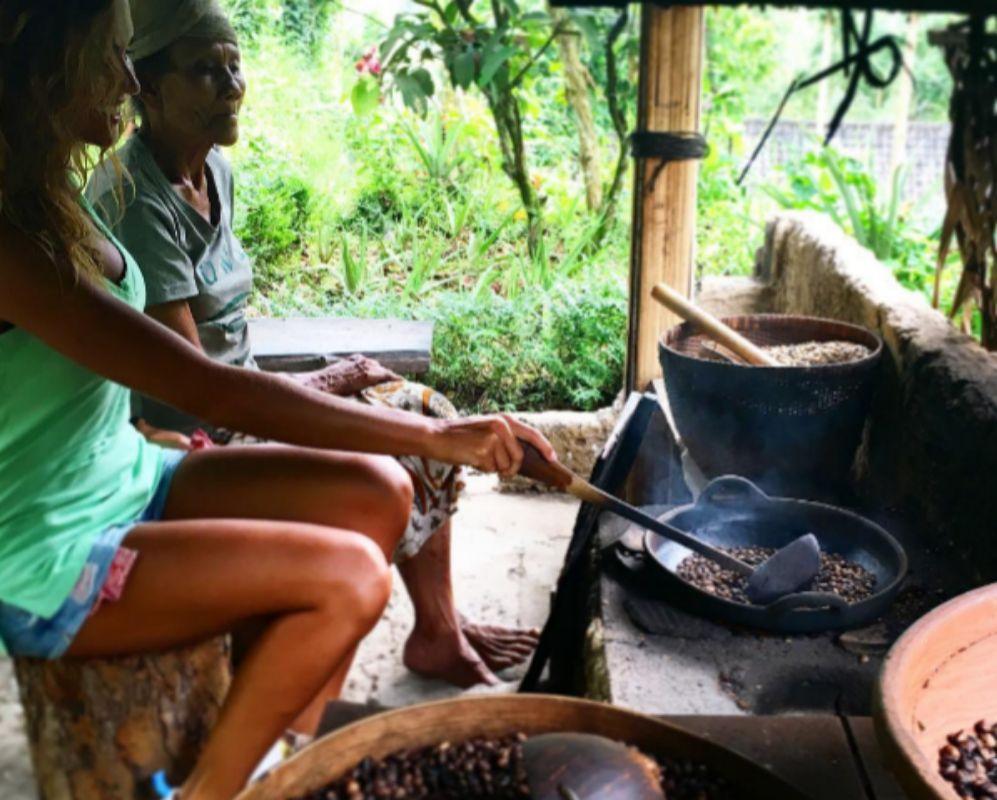Lara Álvarez continua en Bali de vacaciones desde donde ha compartido...