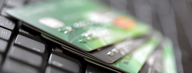 Tarjetas de crédito, teclado, comercio electrónico, compras...
