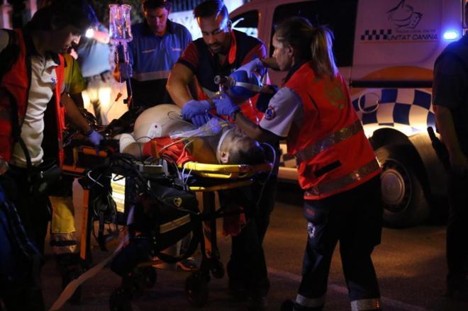 El asesinado en Palma de Mallorca hace una semana, en una camilla.