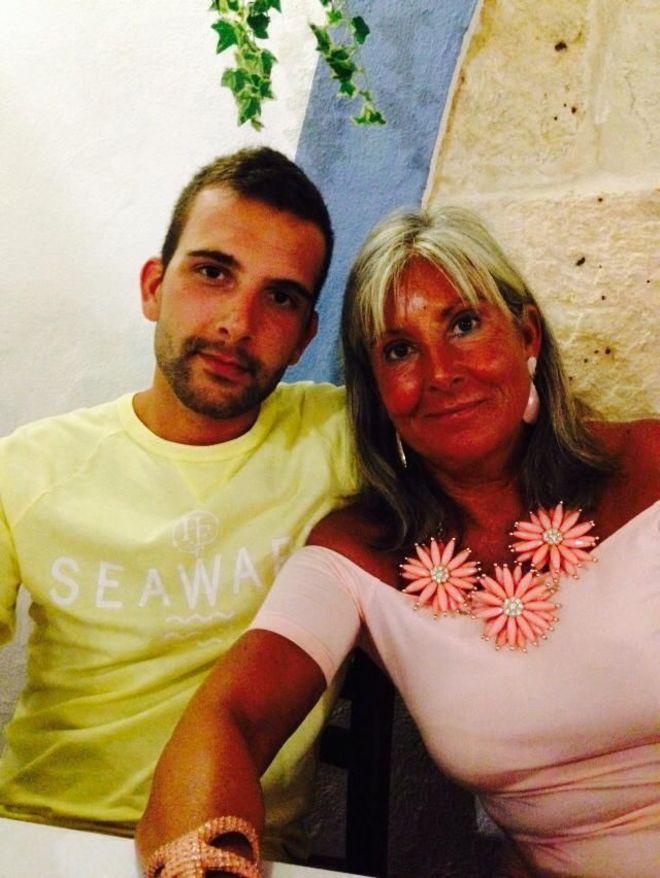 Citas a Ciegas en Ciutadella de Menorca con HombresalaCarta