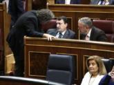 Joan Tardà charla con los nacionalistas vascos Aitor Esteban y Pedro...