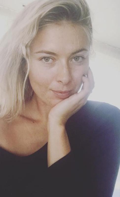 """María Sharapova se atreve con la tendencia de """"I woke up like this"""" y..."""