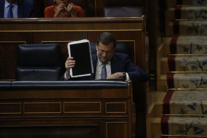 Mariano Rajoy, el miércoles, durante la primera votación de su...