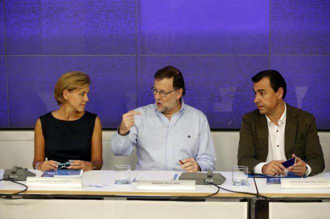Mariano Rajoy, con María Dolores de Cospedal y Fernando...